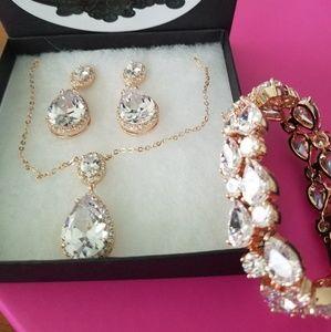 New CZ Rose Gold Teardrop Shaped Jewelry